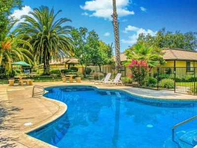 Le Fontaine Apartments  Fresno 2