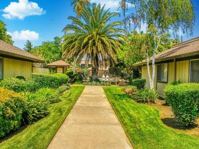 Le Fontaine Apartments  Fresno 4