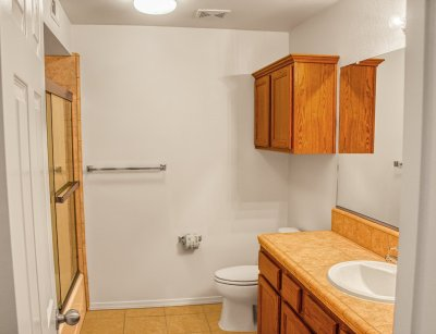 Chestnut Court Two Bedrooms Fresno 10