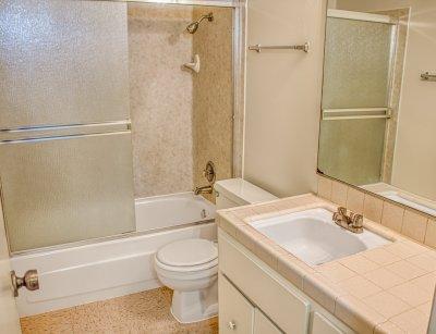Monterey Pines Apartment Homes 3 Bedroom - 2 Bath Fresno 10