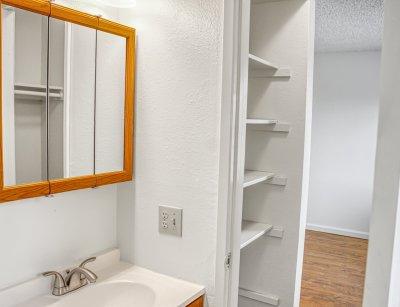 Sunburst Apartments Studio Fresno 7