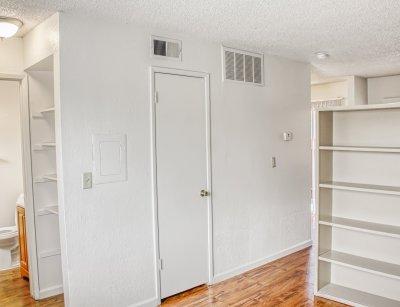 Sunburst Apartments Studio Fresno 6