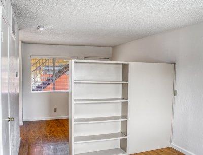 Sunburst Apartments Studio Fresno 5