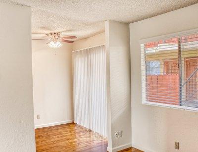 Sunburst Apartments Studio Fresno 4