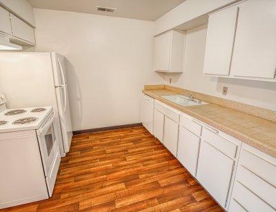 Sierra Terrace East Apartment 2 Bedroom Bakersfield 3