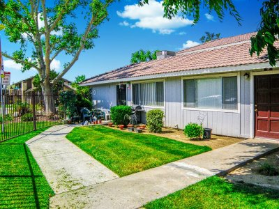 Springwood Court Apartments  Bakersfield 3