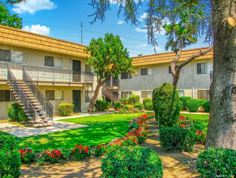 Dayton Square Apartments  Fresno 1