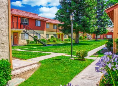 Sunburst Apartments  Fresno 4