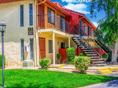 Sunburst Apartments  Fresno 8