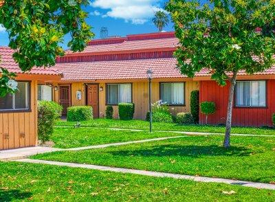 Sunburst Apartments  Fresno 10