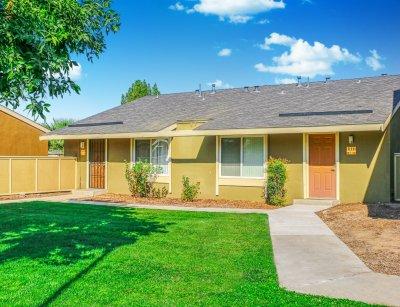 Bigby Villa  Fresno 1