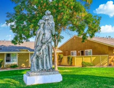 Bigby Villa  Fresno 2