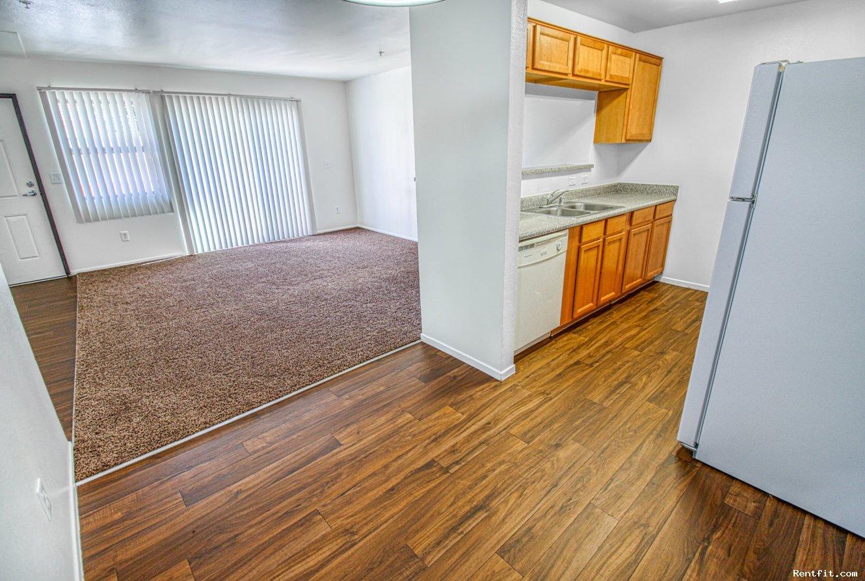 Geneva Village Apartment Homes Fresno California On Rentfit Com