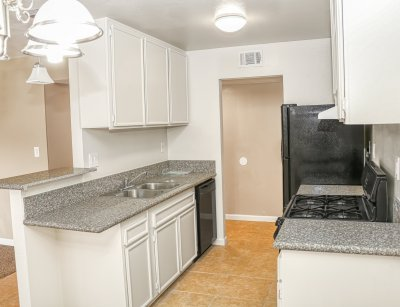 The Laurel Tree Apartments  Bakersfield 9