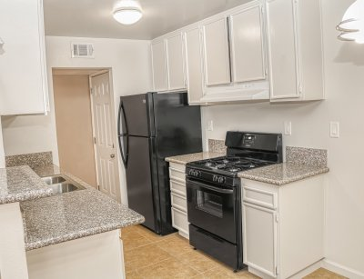 The Laurel Tree Apartments  Bakersfield 8