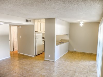 The Laurel Tree Apartments  Bakersfield 13