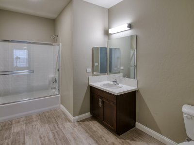 The Boardwalk Luxury Apartments 3 Bedroom Bakersfield 9