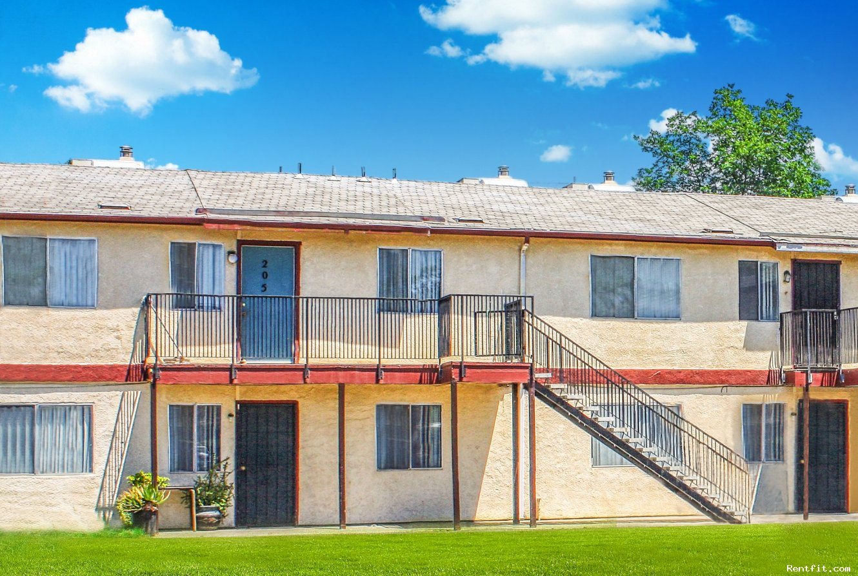 Casa Grande Apartments  Fresno 1