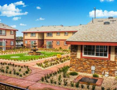 Huntington Palace  Fresno 8
