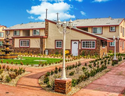 Huntington Palace  Fresno 6