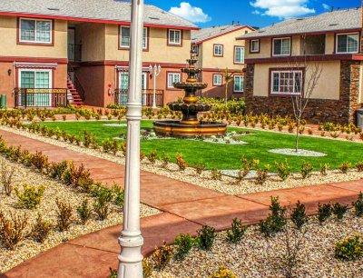 Huntington Palace  Fresno 3