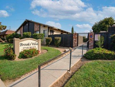 Brooks Villa  Fresno 1