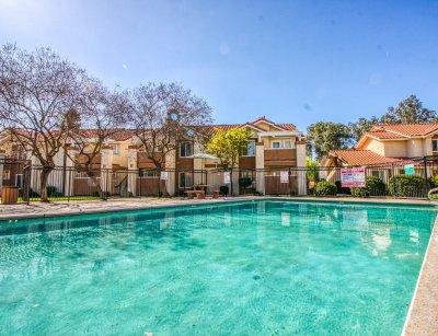 Casa Velasco  Fresno 7