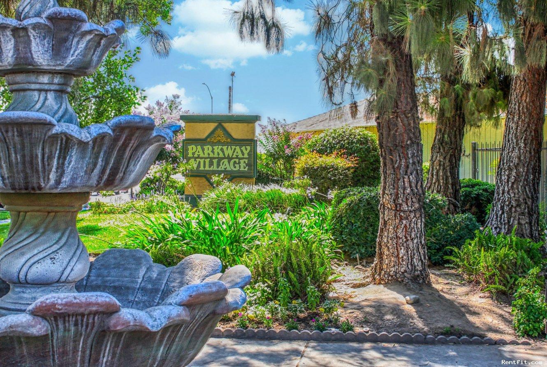 Parkway Village  Fresno 1