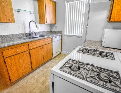Parkway Village 1 Bedroom Fresno 2
