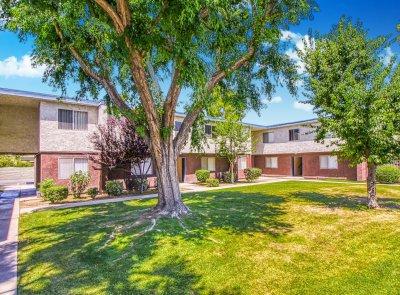 Serramonte Park Apartments  Bakersfield 1