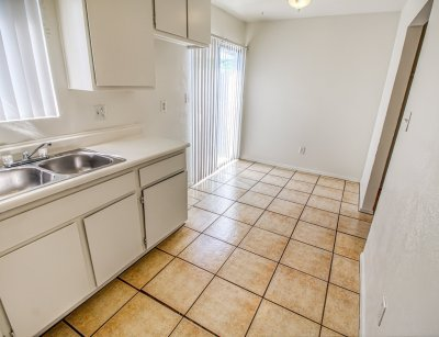 Spring View Apartments 2 Bedroom 1.5 Baths Townhouse Bakersfield 3